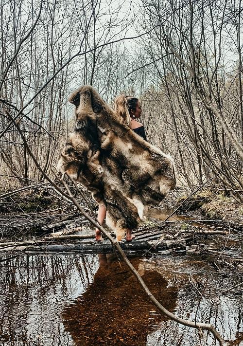 Predator control = Coyote Hide Blanket